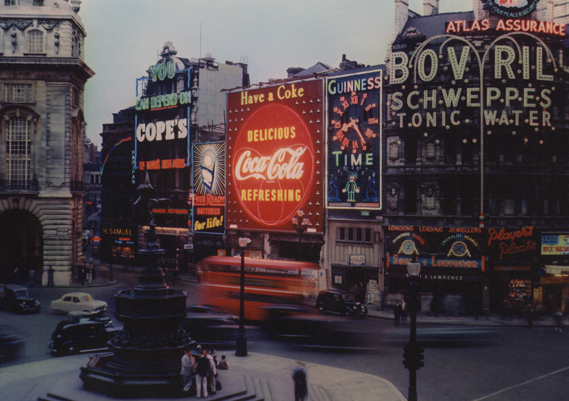 Final result Coca-Cola neon sign, Piccadilly Circus 1954