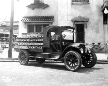 Coca-Cola truck 1920's