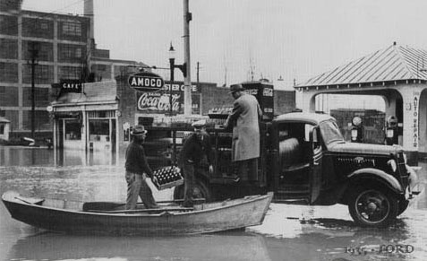 Coca-Cola - Truck Ford 1935 delivery during a Richmond, Virginia flood