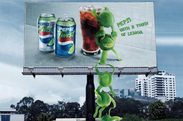 """Pepsi Twist: """"chain"""" 2004"""